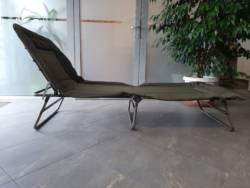 Łóżko polowe metalowe z podnoszonymi plecami