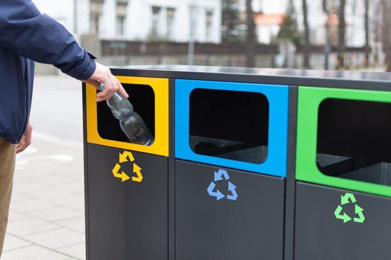 pojemniki do segregacji odpadow metalowe
