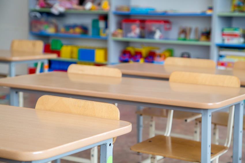 jaki wymiar ławki szkolnej jest zalecany dla ucznia